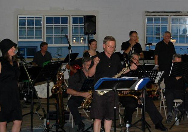 Swing Set band jazzes up Howard Street in Boone