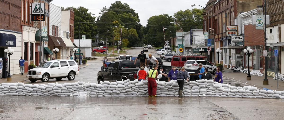 Update Metro Area Bracing For Flooding Local News