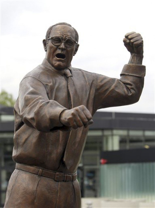 photos  dan gable statue unveiled april 18  2012