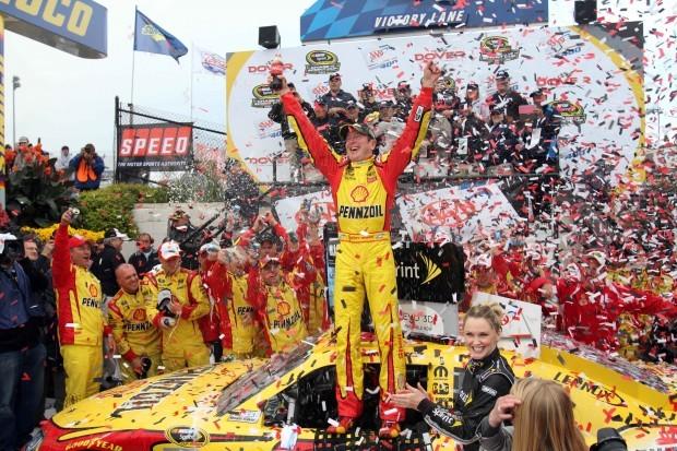 Kurt busch plans to race at iowa speedway motor sports for Champion motors waterloo iowa