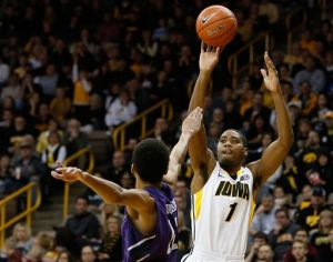 UPDATE: Iowa beats Northwestern 71-57