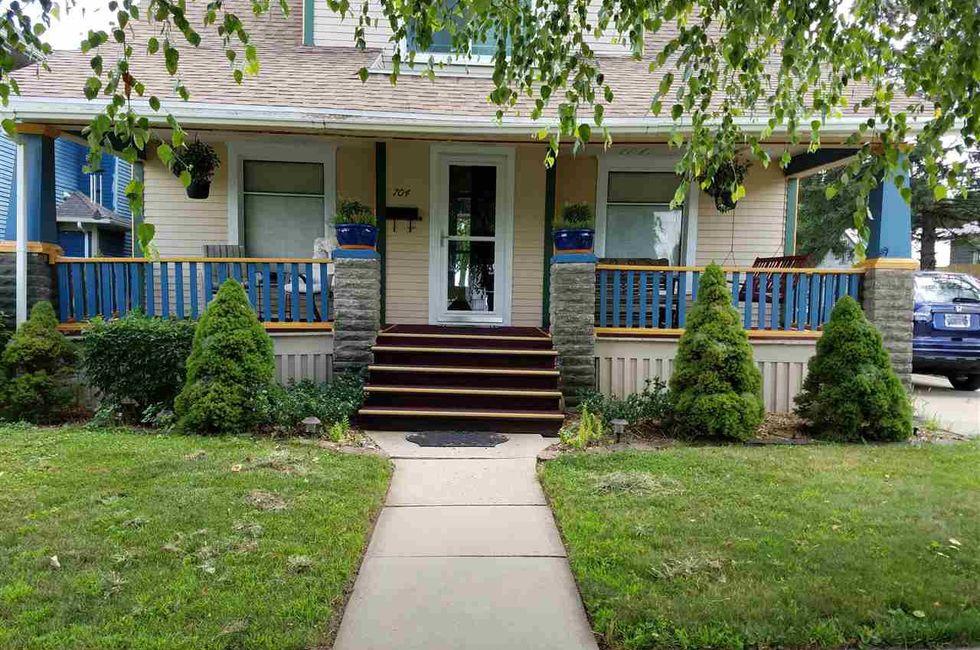 3 Bedroom Home in Grundy Center    95 000