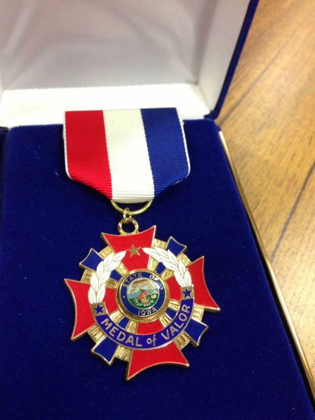 update  officers awarded medal of valor