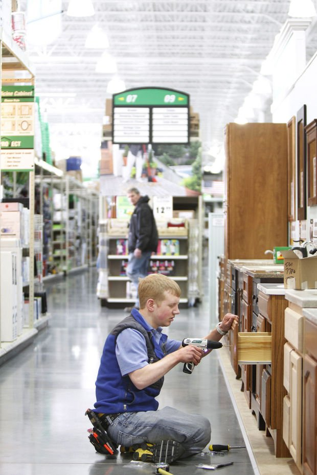 lowes employee dating policy This policy defines the types of interpersonal relationships among faculty, staff and  of this policy 41 new employee  two employees to begin dating.