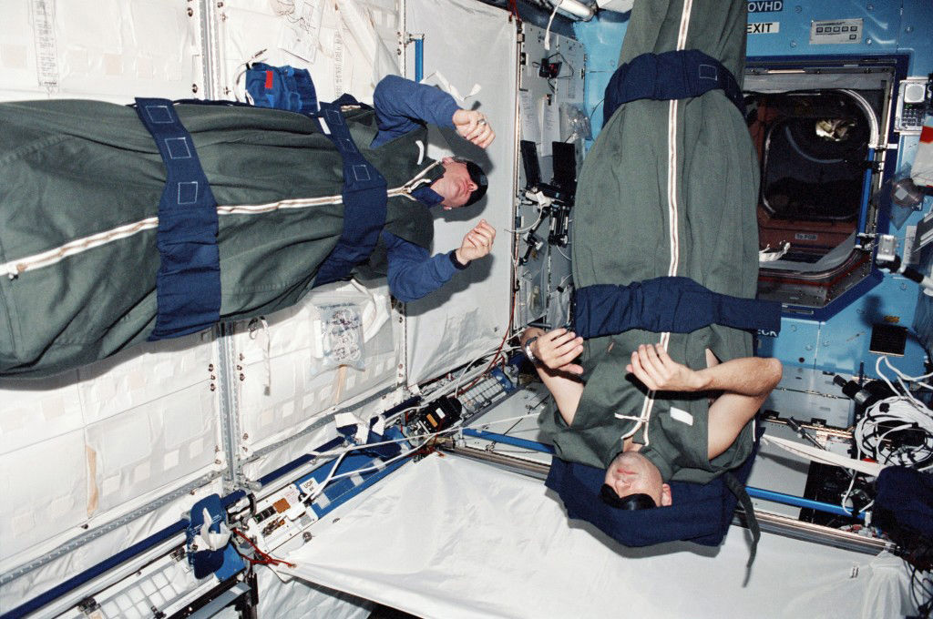 where does astronauts sleep - photo #9