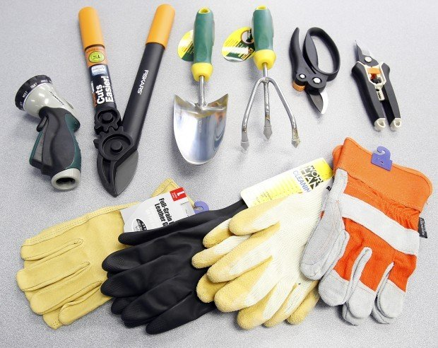 Talk to the hand use common sense the right tools and for Common garden hand tools