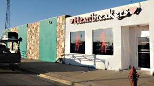 Strip clubs welcome workers to Williston