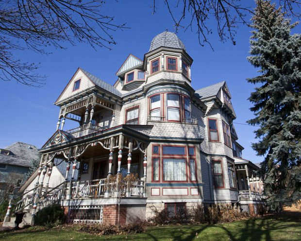 Photos historic winona homes 11 17 13 for Victorian colonial homes