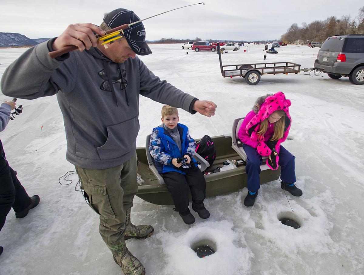 Cochrane Buffalo City Lions Club 39 S Winter Fest Ice Fishing