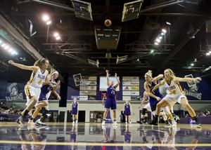 Photos: Winona State Women's Basketball 2015-16