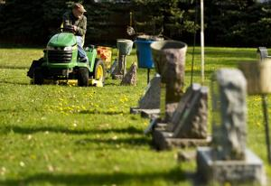 In Focus: Oakland Cemetery Clean-up