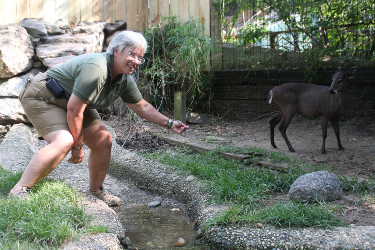 Baraboo zookeepers go on tour
