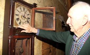 Bob Lawrence antique clock at the Anna Palmer Museum