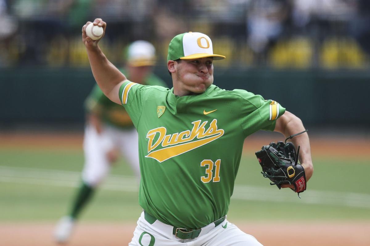 Brac Warren pitching