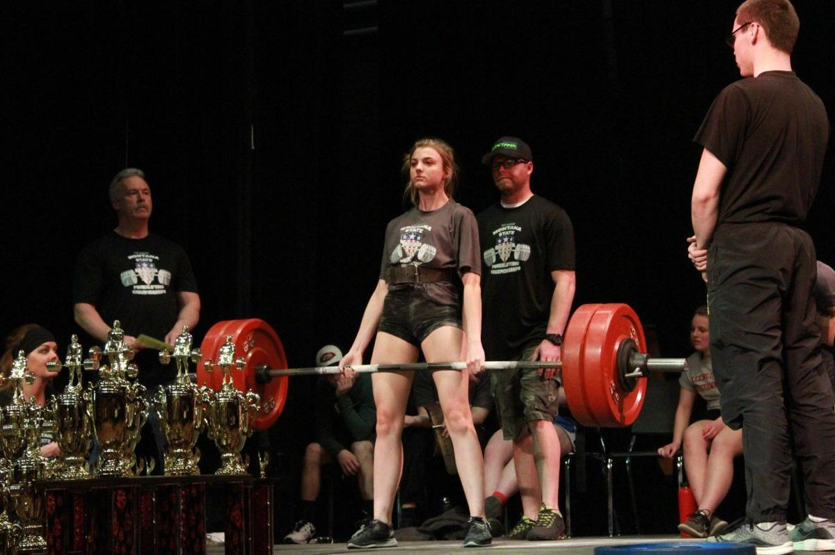 Sidelines with Synness: Helena powerlifter Carter sets