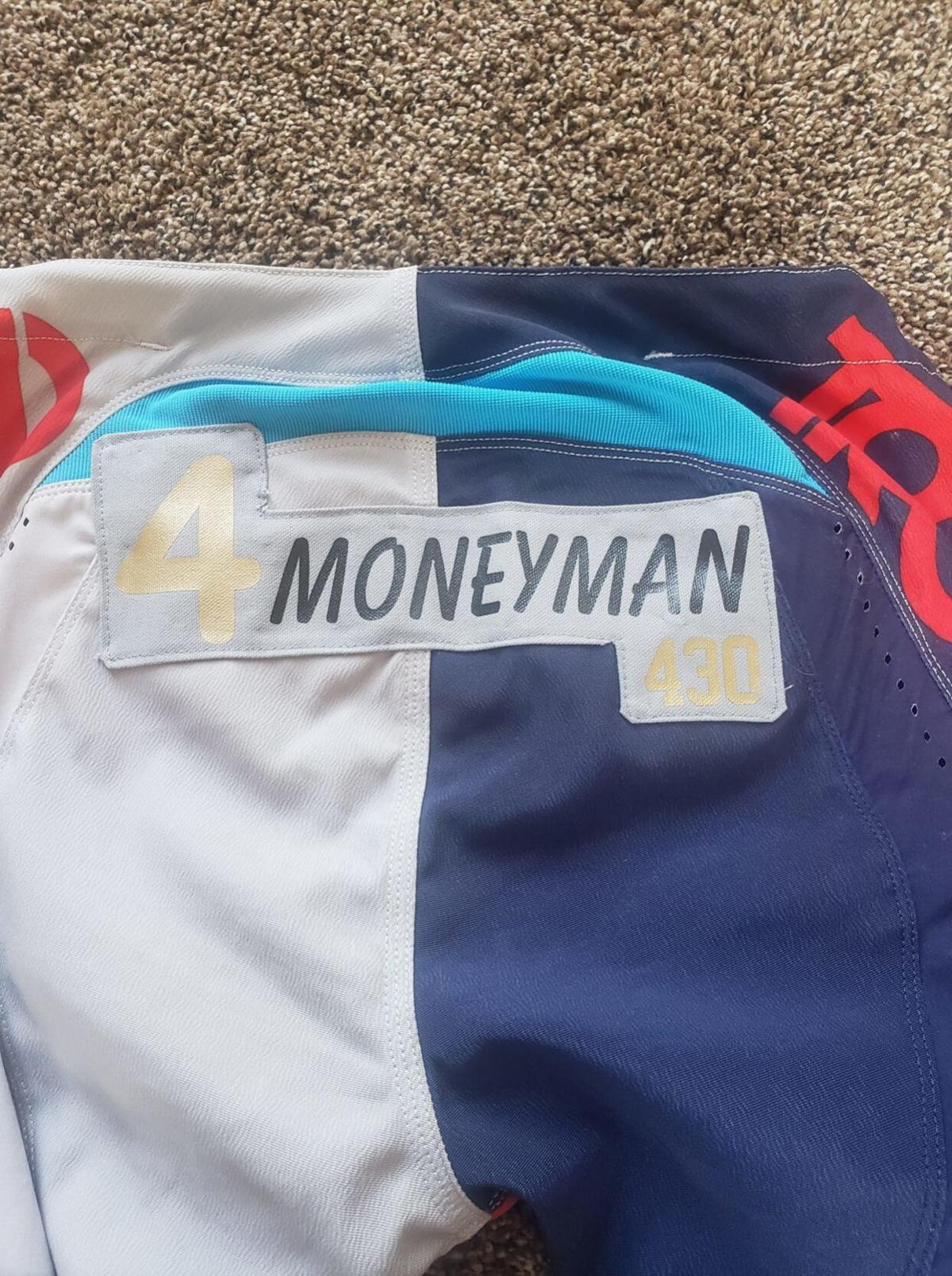 """'MoneyMan"""" patch"""