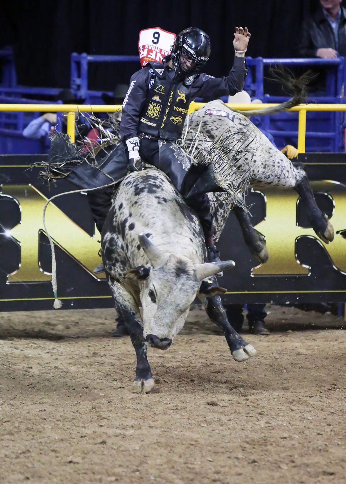 Cut Bank S Dustin Bird Won Second Round Of Team Roping At