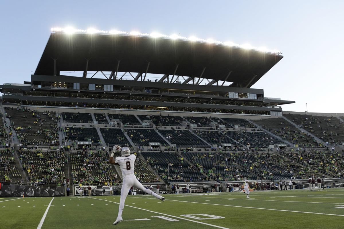Montana falls to No 15 Oregon 033.JPG