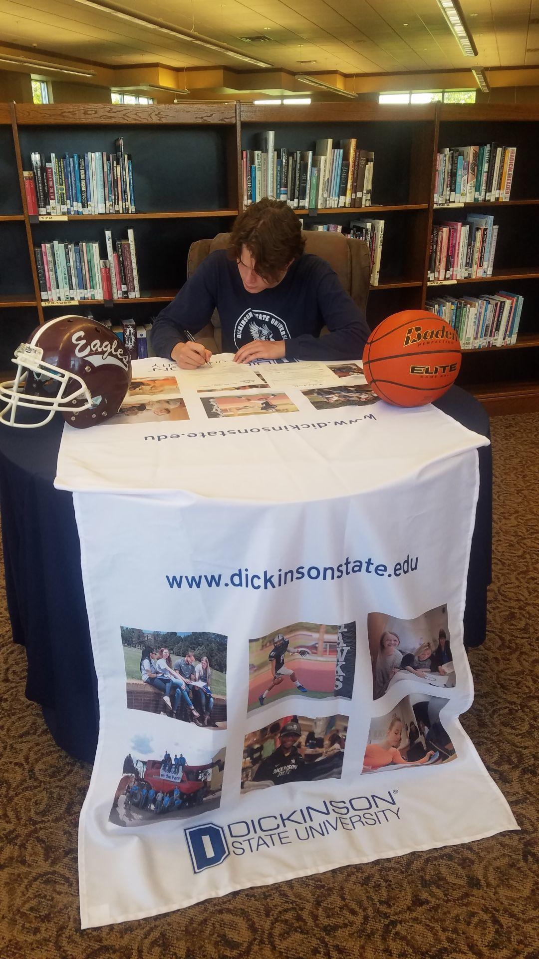McGlothlin signing