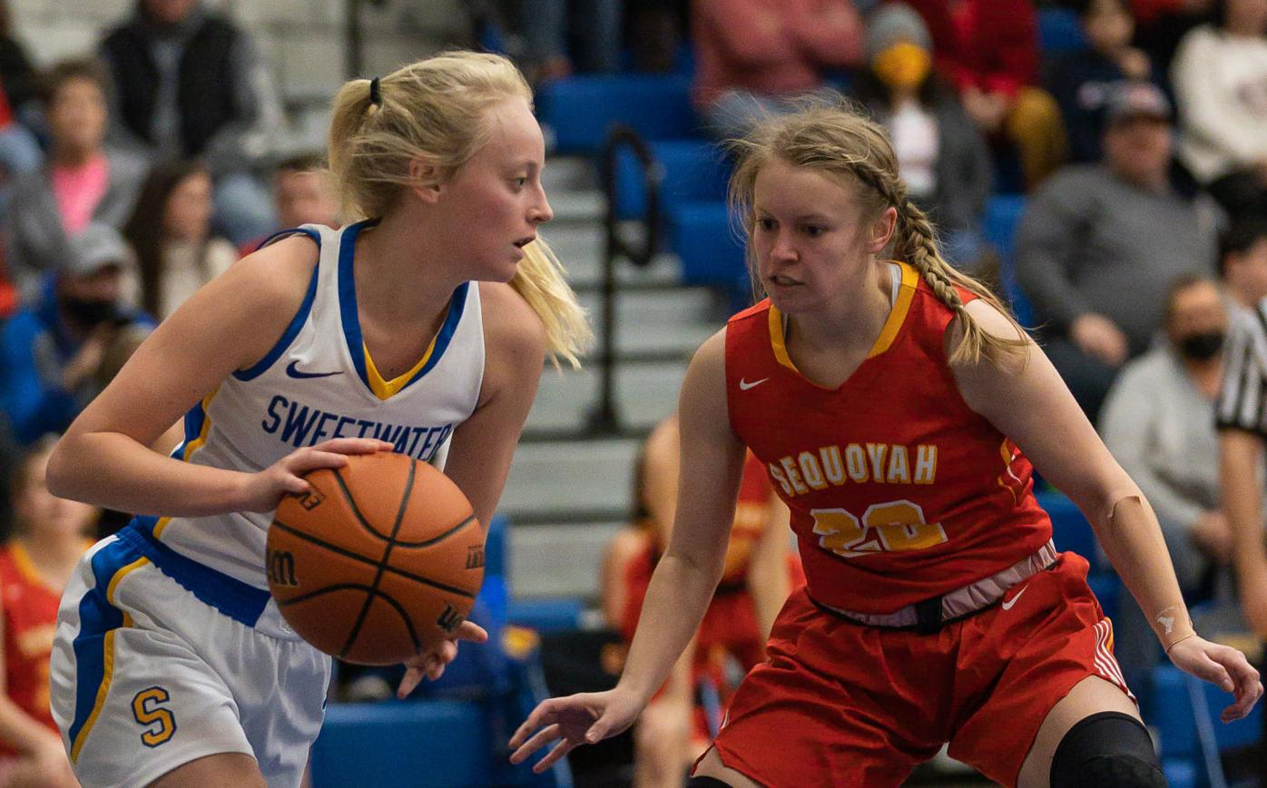 James' go ahead basket with six seconds left lifts Sequoyah past Sweetwater