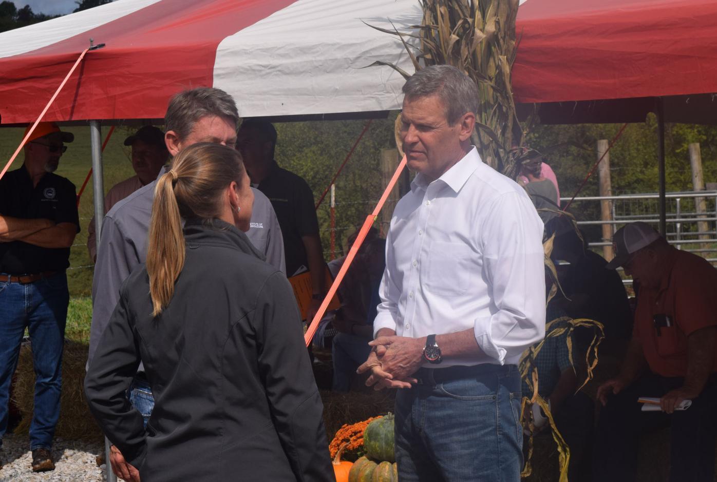 Governor visits local farm