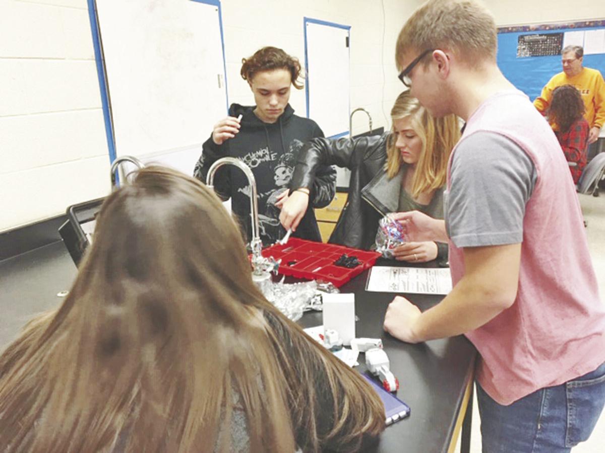 Robots prepare Sequoyah students for future