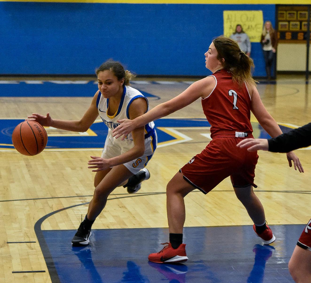 Sweetwater girls blast Loudon en route to opening district win