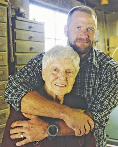 Veteran re-opens family business in Sweetwater