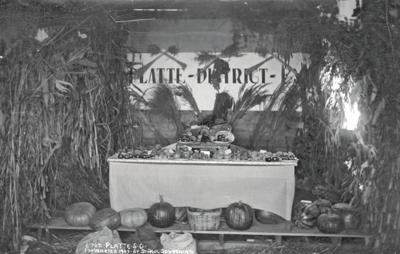 Produce display 1909
