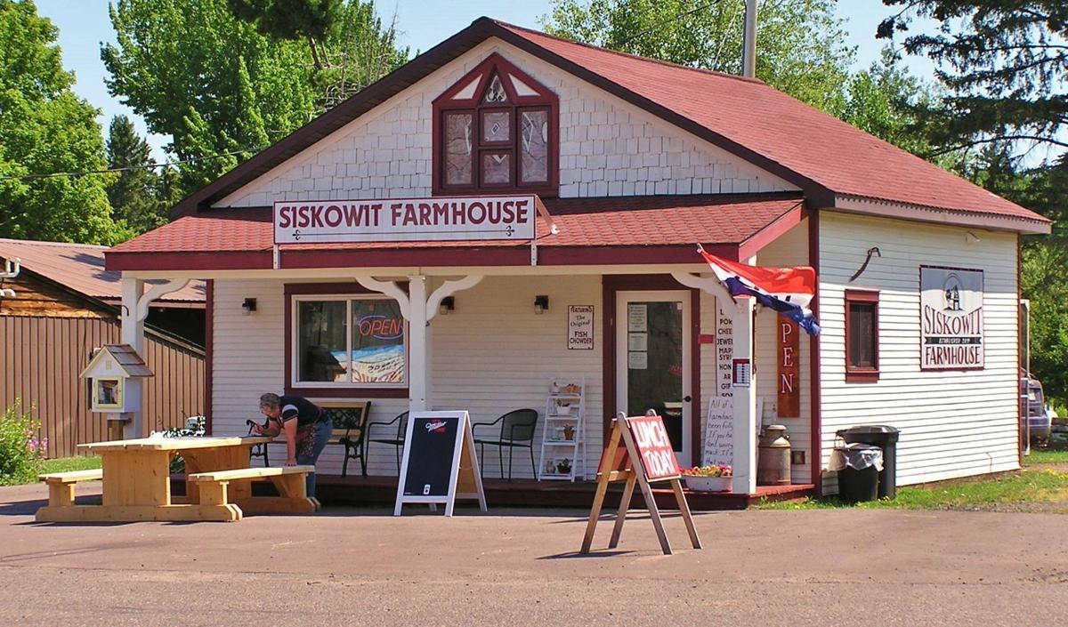 Siskowit Farmhouse Farm Store