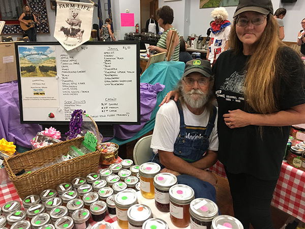 Bob and Debbie Kennel Utica Days