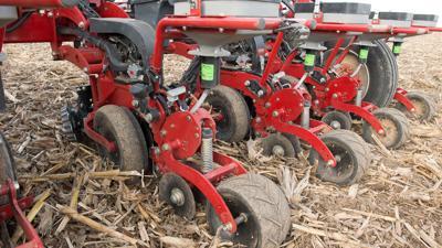 Planter adjustment