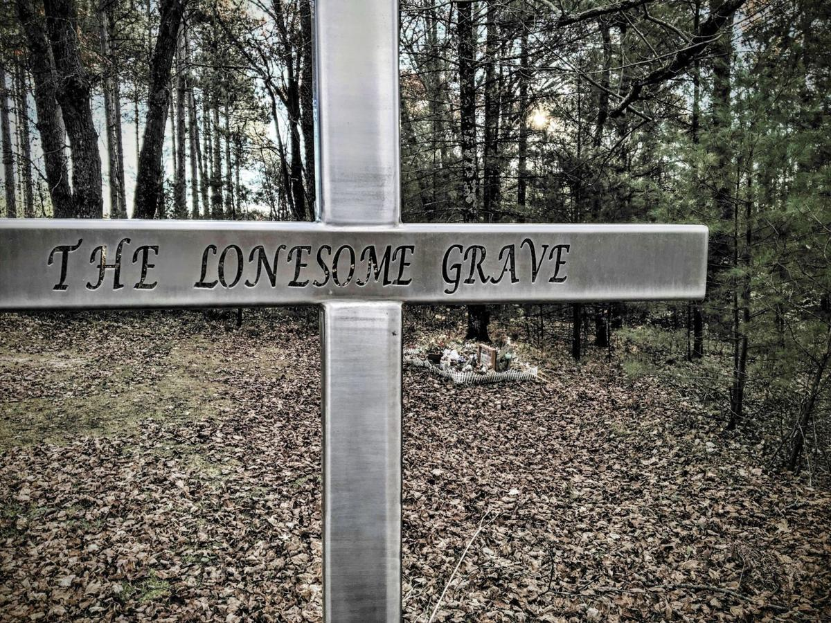 Lonely Grave cemetery