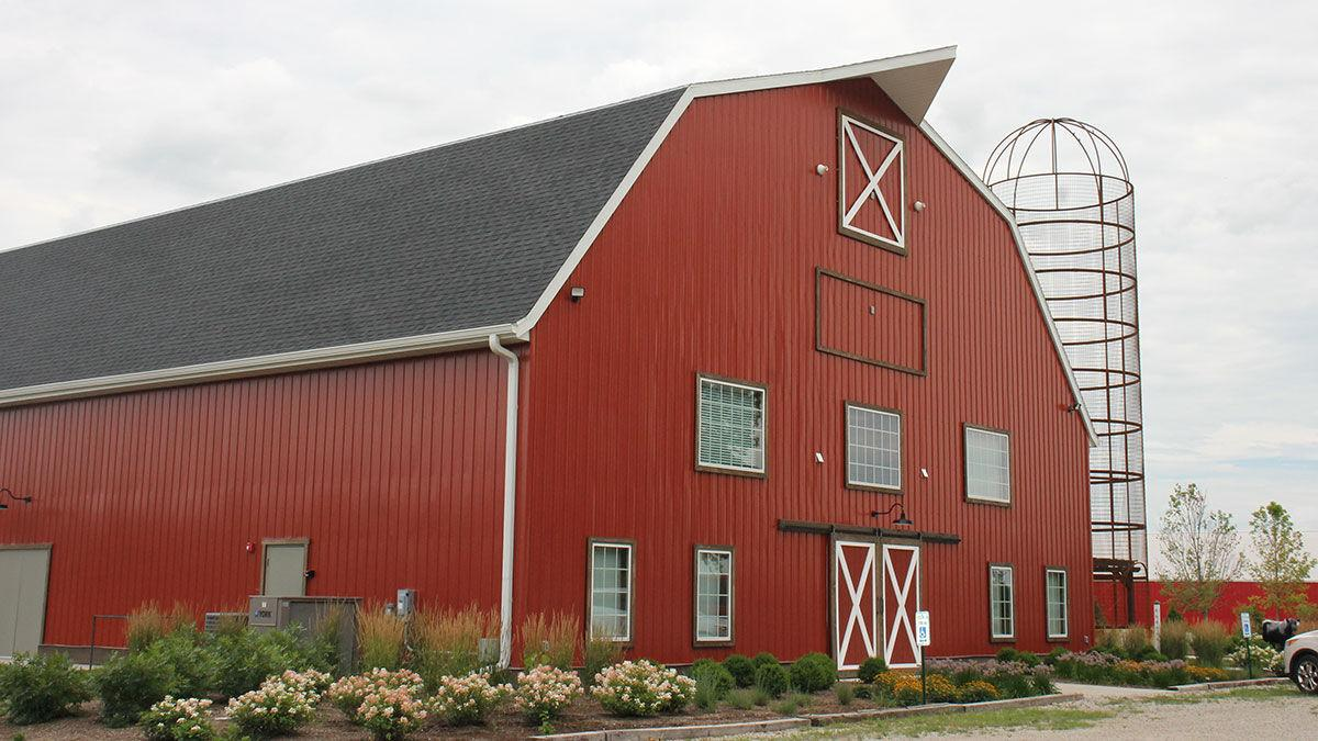 Barn theater