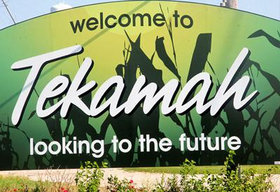 Tekamah welcome sign
