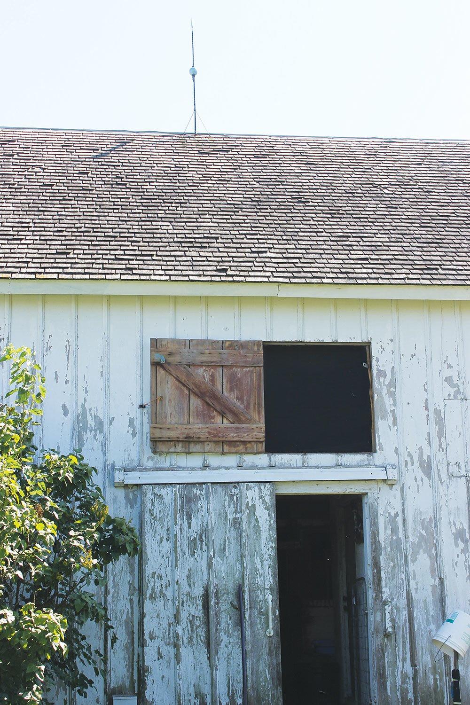 shake roof barn