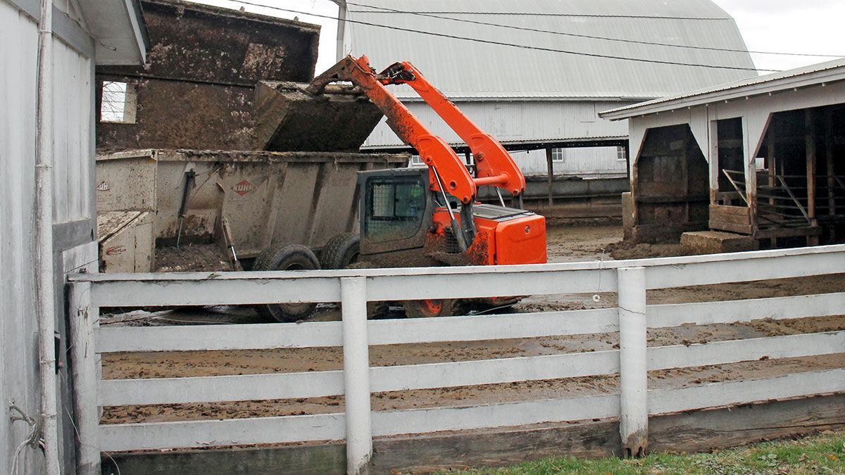 skid loader with manure
