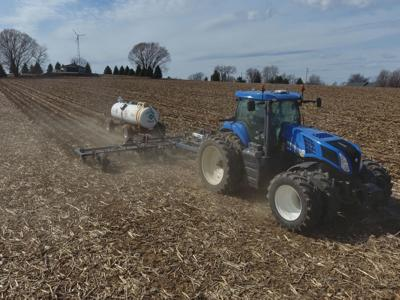 Applying anhydrous on fields