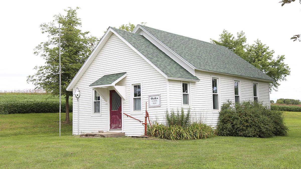 Oaks School and Allen barn
