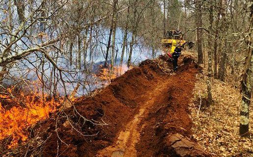 Crews fight wildfire