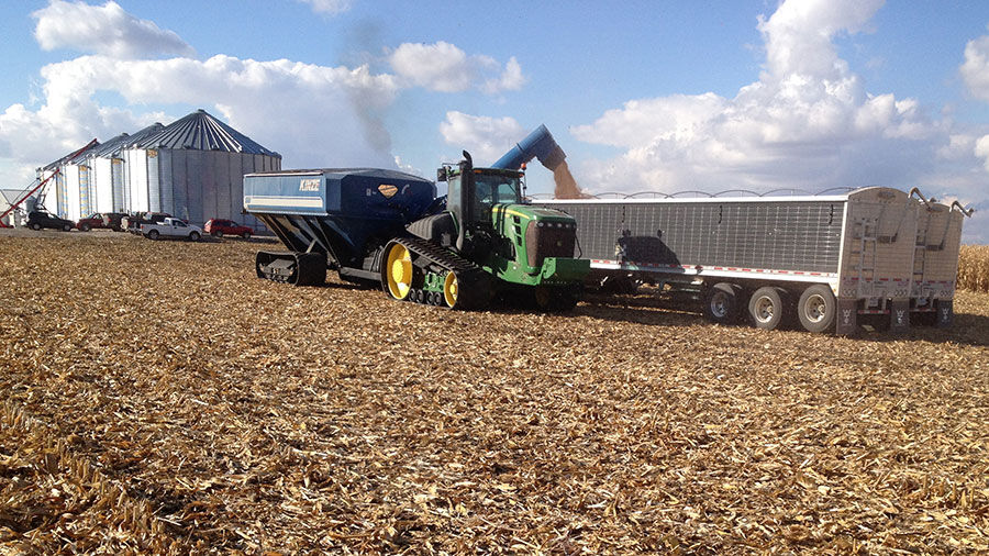 Harvest loading truck with bins