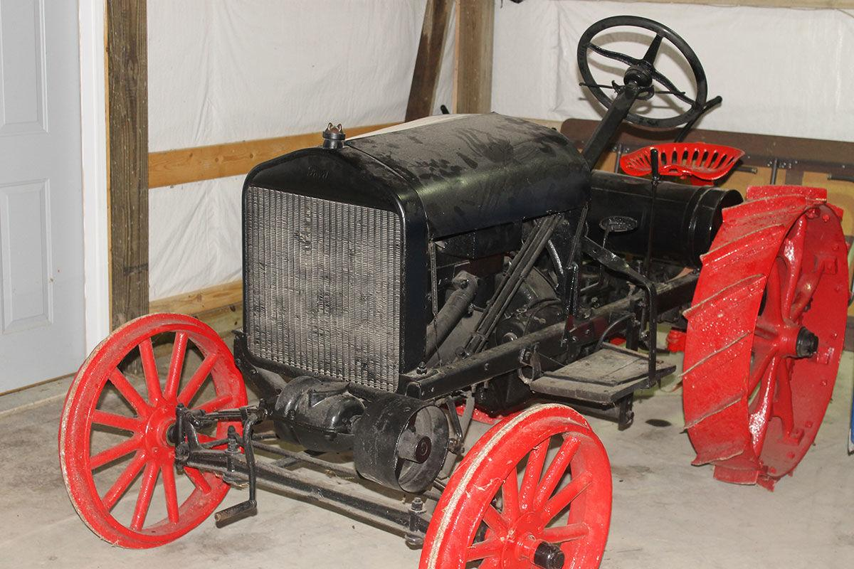 Ford T-Shaw tractor