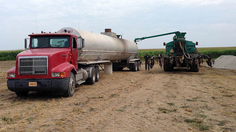 Truck and manure applicator