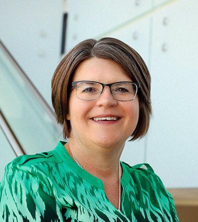 Dr. Tina Chesek University of Nebraska-Kearney