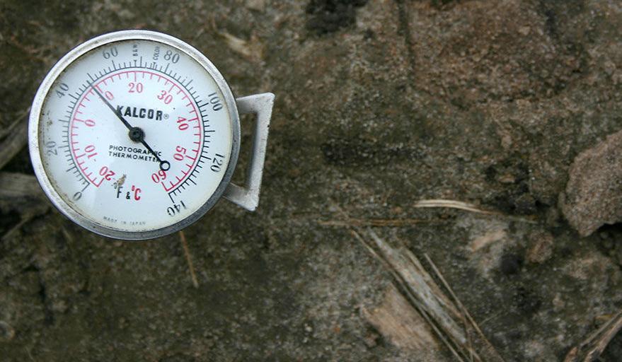 Ground temp thermometer