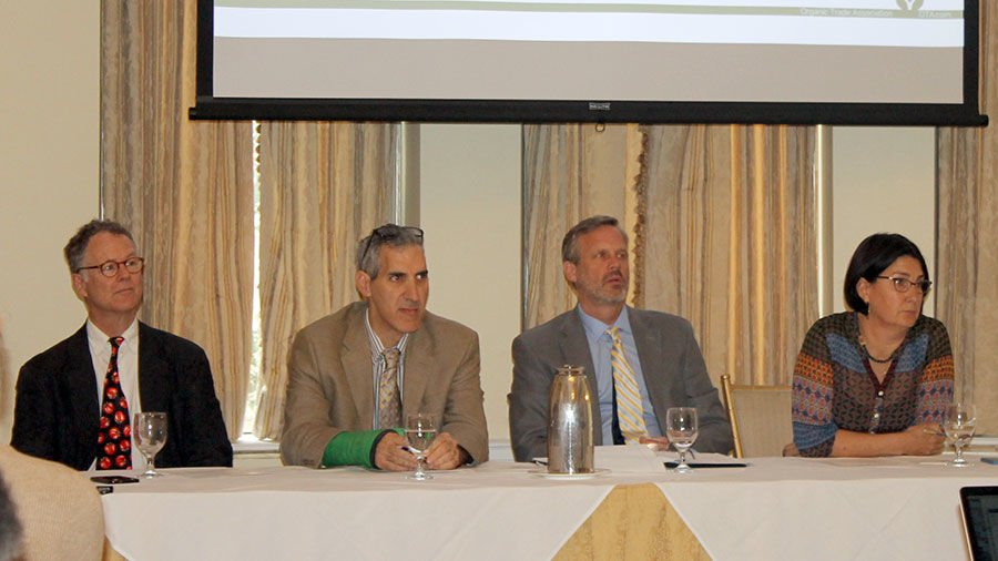 Organic experts talked to agricultural journalists about labeling