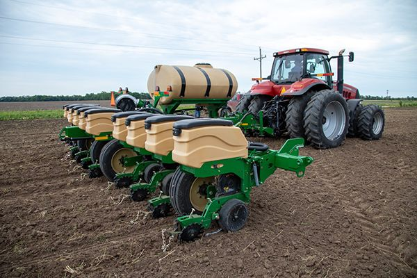 Great Plains 16 row front fold planters