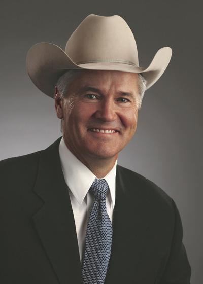 Robert McKnight Jr.