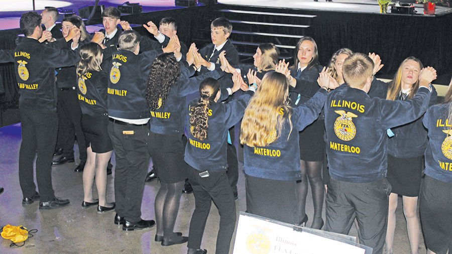 Thousands of blue jackets Illinois FFA convention
