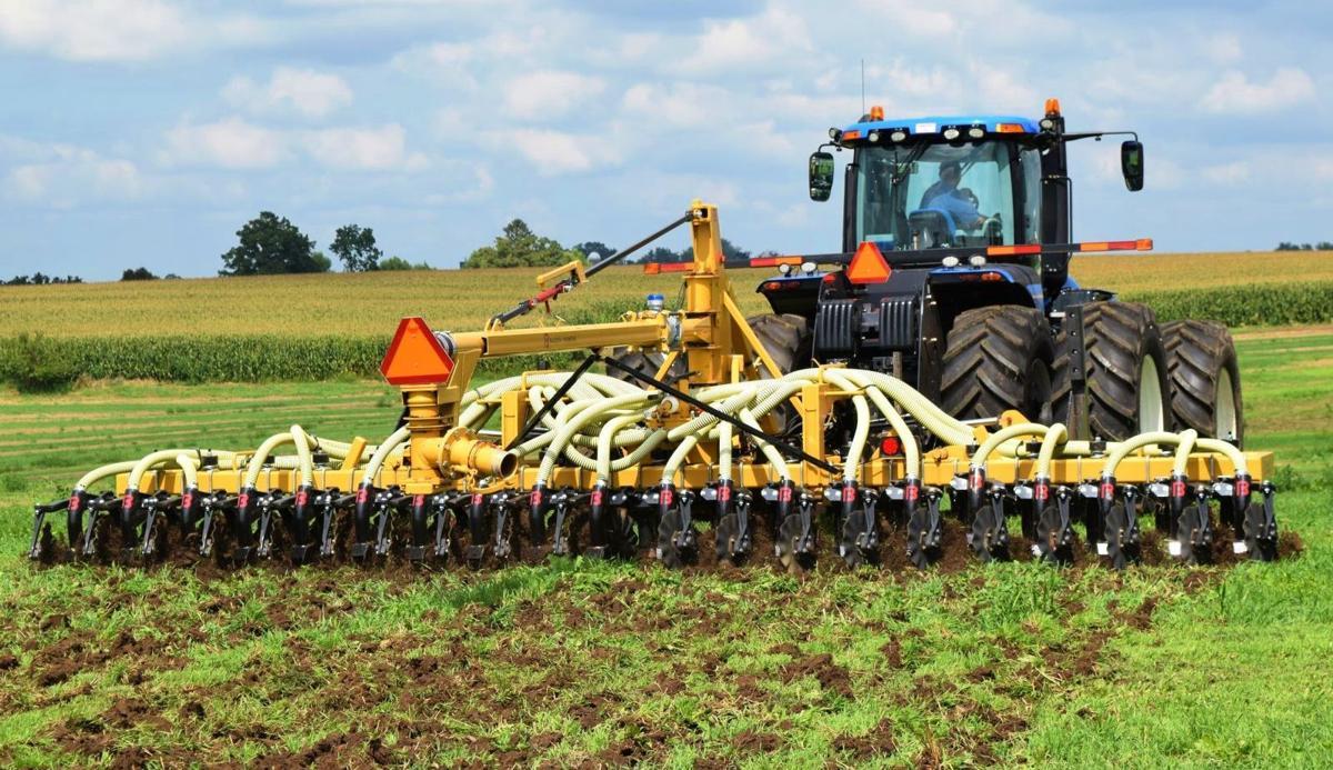 Low-disturbance manure application